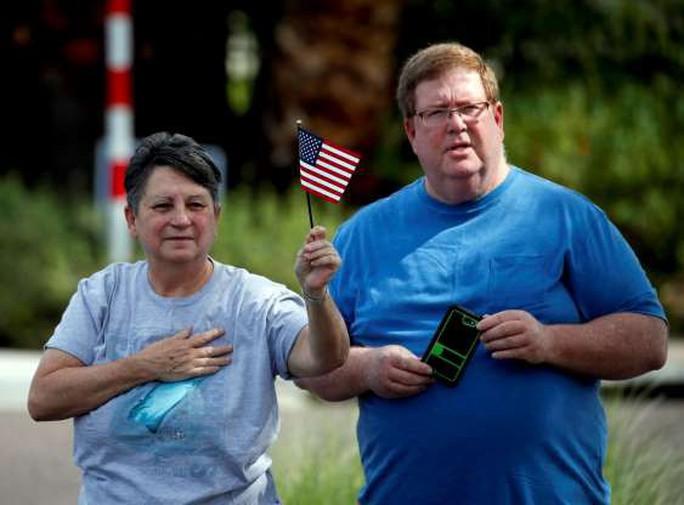Ông Trump không tham gia các nghi lễ tưởng niệm ông McCain - Ảnh 5.