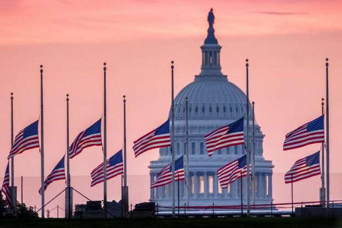 Ông Trump không tham gia các nghi lễ tưởng niệm ông McCain - Ảnh 10.