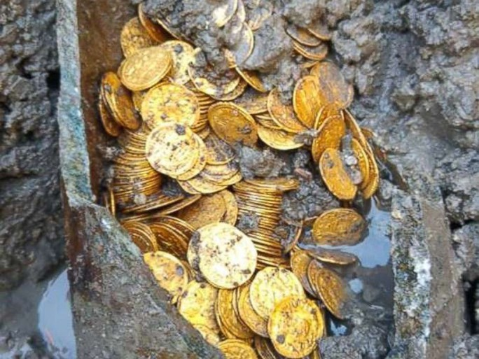 Phát hiện 2 tảng đá lẫn vàng trị giá 11 triệu USD - Ảnh 6.