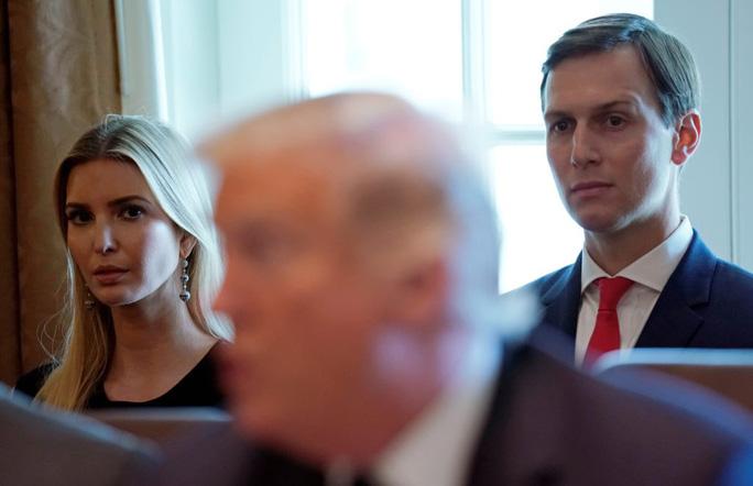 """Ông Trump bị con rể """"đâm sau lưng""""? - Ảnh 1."""