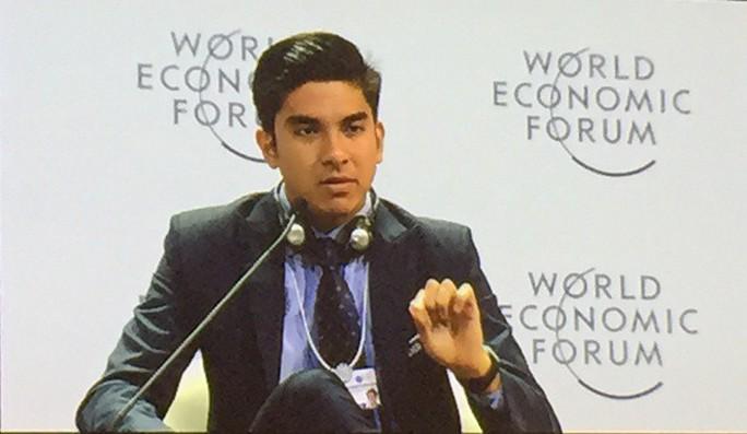 WEF ASEAN: Bộ trưởng 25 tuổi của Malaysia phát biểu về ASEAN 4.0 - Ảnh 1.