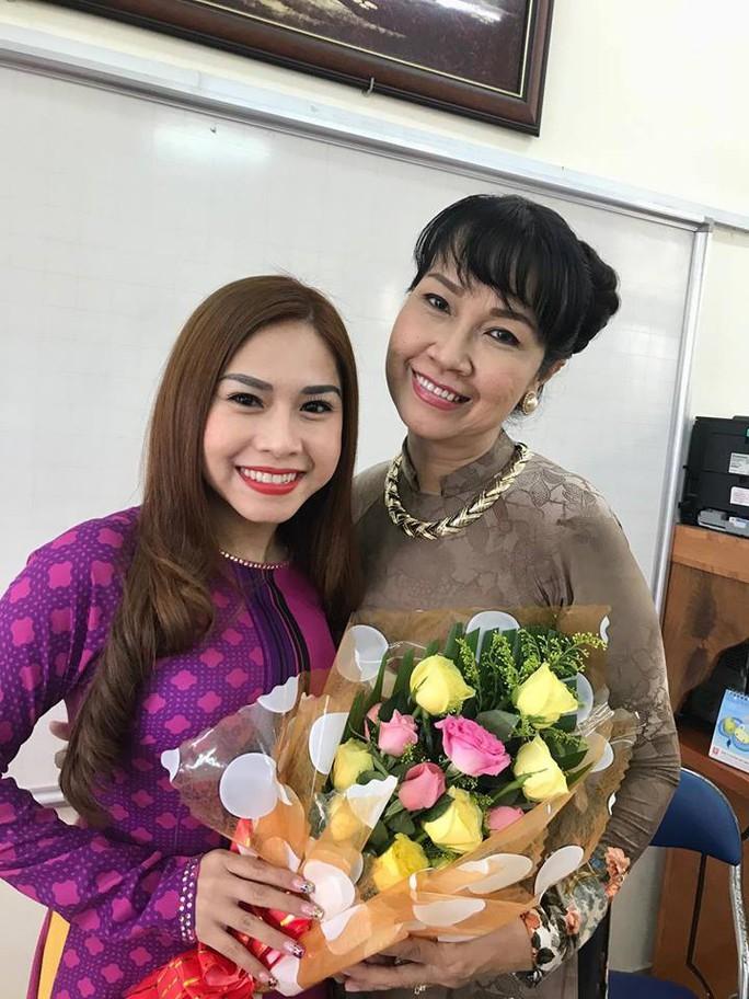 Nghệ sĩ Bình Tinh dốc sức đưa sân khấu vào trường học - Ảnh 4.