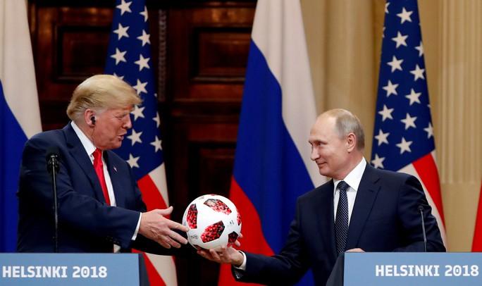 Quan chức Mỹ rò rỉ về sắc lệnh cứng của ông Trump trước thềm bầu cử giữa kỳ - Ảnh 2.