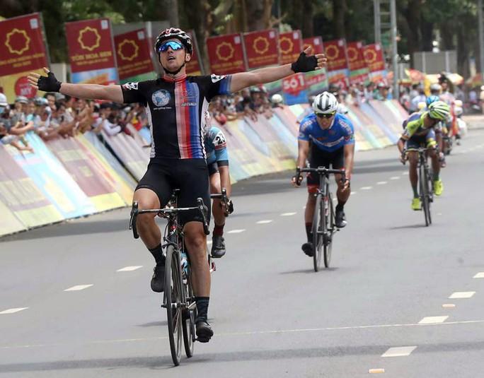 Giải Xe đạp quốc tế VTV - Cúp Tôn Hoa Sen 2018: Tay đua Việt vẫn còn cơ hội giữ Áo vàng - Ảnh 1.