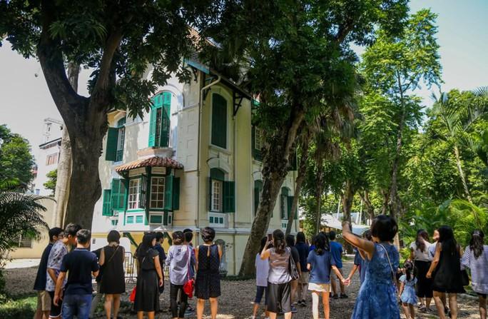 Khám phá di sản đậm dấu ấn lịch sử Đại sứ quán Pháp ở Hà Nội - Ảnh 2.