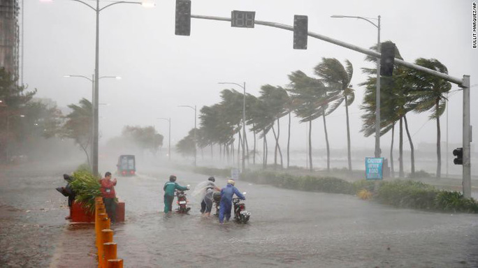 Philippines quay cuồng trong tay tử thần Mangkhut - Ảnh 2.