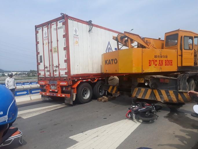 Tai nạn trên tuyến cao tốc Đà Nẵng – Quảng Ngãi: Một người tử vong - Ảnh 1.