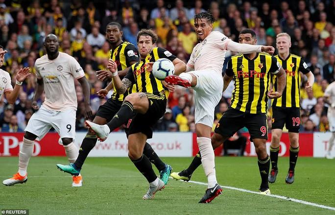 Smalling ghi bàn dị, Man United quật ngã hiện tượng Watford - Ảnh 5.