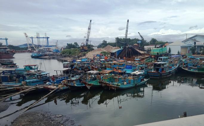 Bà Rịa - Vũng Tàu: Lật ghe chở 7 khách du lịch trên sông Chà Và - Ảnh 1.