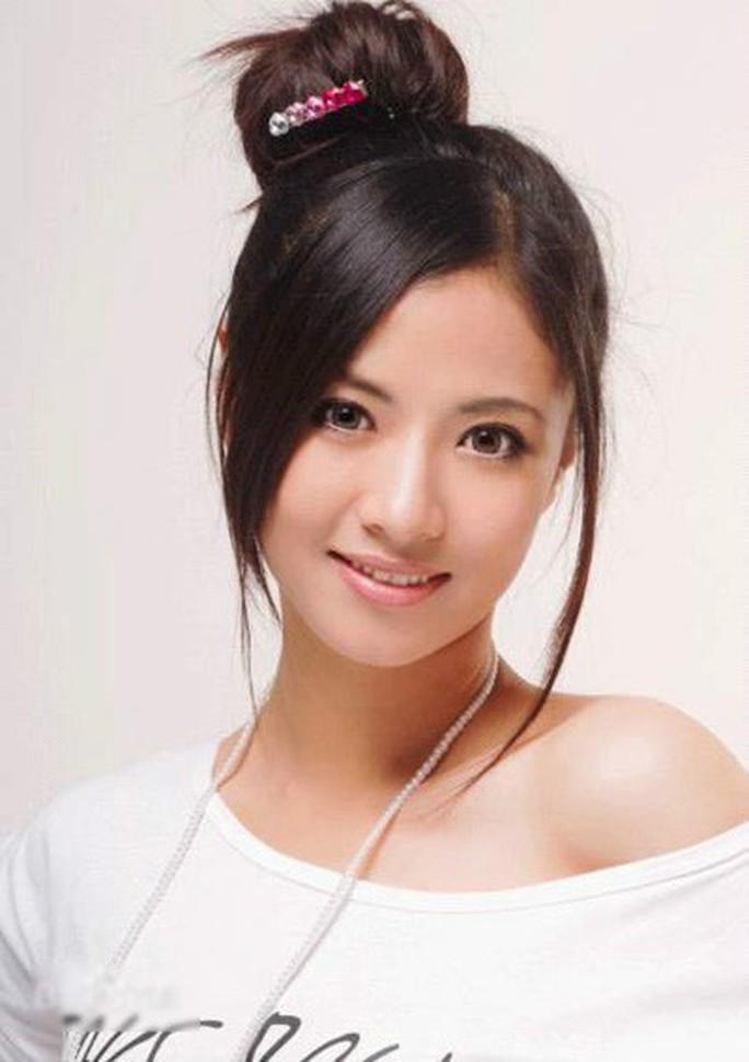 Người đẹp Hoa ngữ nhảy lầu vì bệnh nặng, chồng ngoại tình - Ảnh 1.