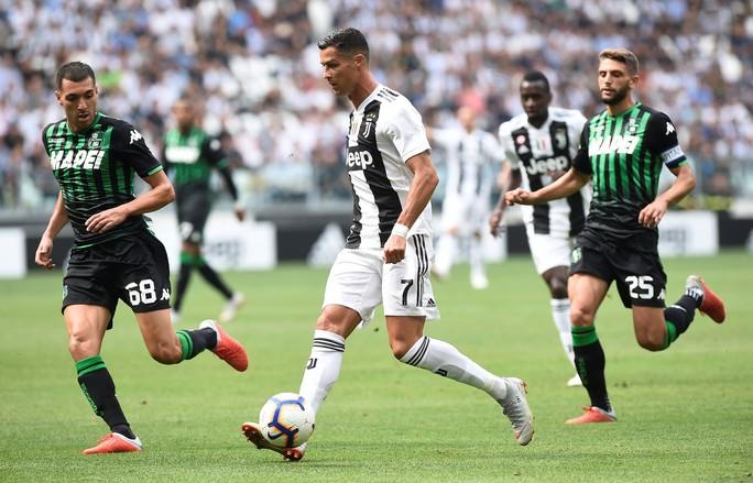 Ronaldo lần đầu ghi bàn, Juventus mở đại tiệc ở Allianz Arena - Ảnh 4.