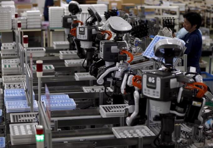 Robot không phải kẻ cướp việc làm - Ảnh 1.