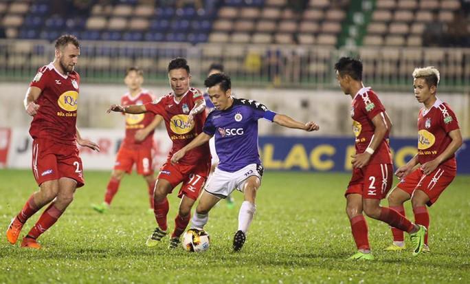 HLV trưởng HAGL chê hàng thủ sau trận thua Hà Nội FC - Ảnh 1.