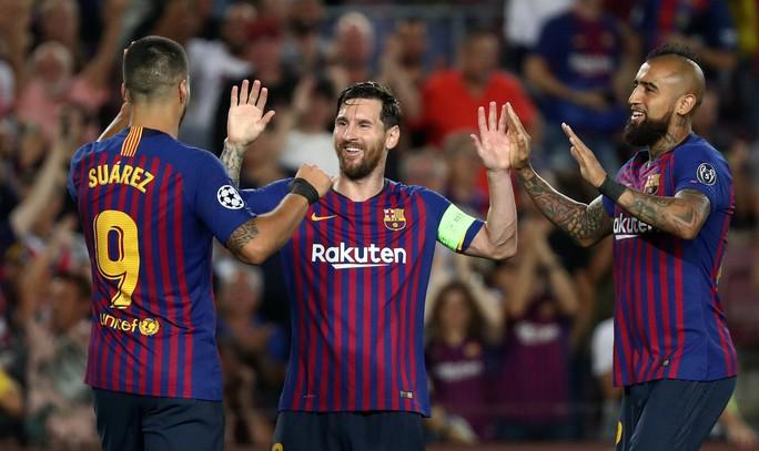 Messi lập siêu phẩm, Barcelona đại thắng PSV tại Nou Camp - Ảnh 3.