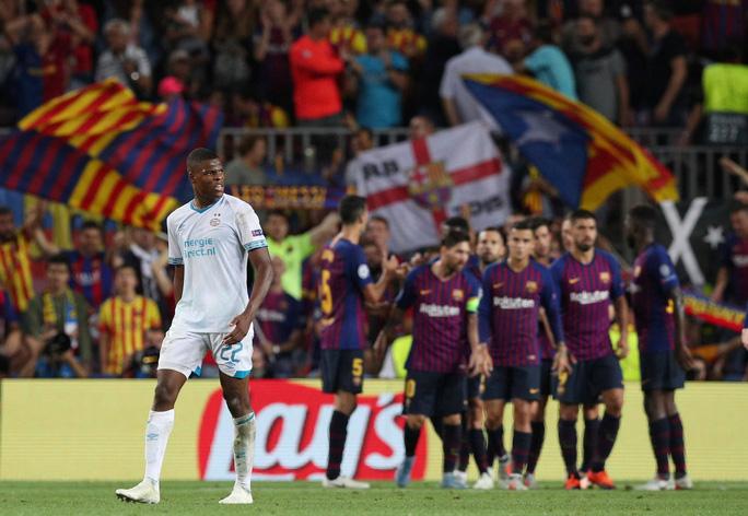 Messi lập siêu phẩm, Barcelona đại thắng PSV tại Nou Camp - Ảnh 5.