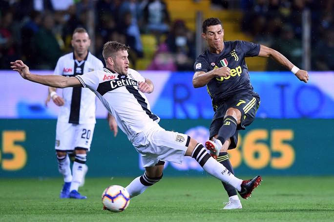 Những sắc thái tịt ngòi của Ronaldo ngày Juventus toàn thắng - Ảnh 1.