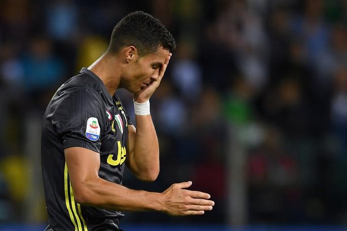 Những sắc thái tịt ngòi của Ronaldo ngày Juventus toàn thắng - Ảnh 3.