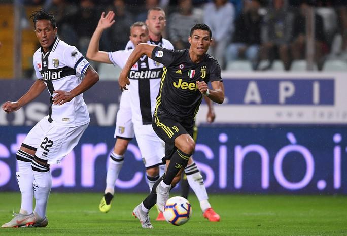 Những sắc thái tịt ngòi của Ronaldo ngày Juventus toàn thắng - Ảnh 5.
