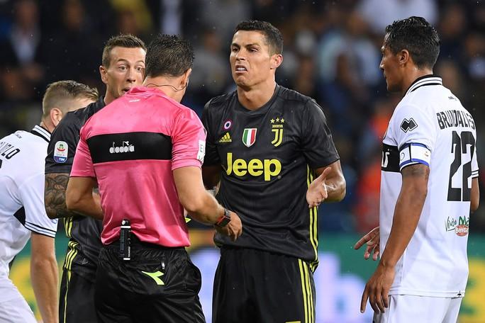 Những sắc thái tịt ngòi của Ronaldo ngày Juventus toàn thắng - Ảnh 6.