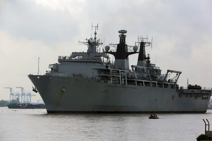 Việt Nam lên tiếng về hoạt động của tàu Anh, Nhật ở Biển Đông - Ảnh 1.