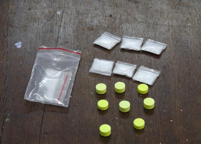 10 nam nữ thanh niên thuê căn hộ cao cấp chơi ma túy - Ảnh 2.