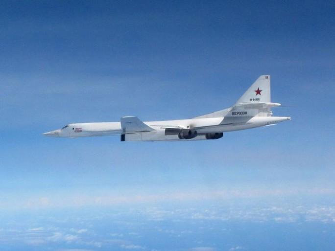 Tiêm kích Anh - Pháp xuất kích chặn máy bay Nga vì hỏi mà không trả lời - Ảnh 2.