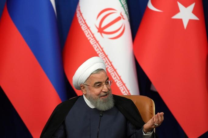 Tổng thống Iran: Ông Trump sẽ thất bại như Saddam Hussein - Ảnh 1.