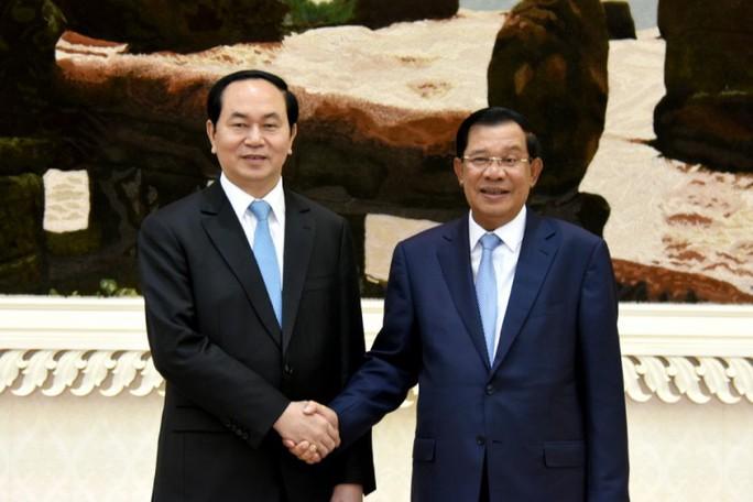 Thủ tướng Hun Sen kể 5 lần được Chủ tịch nước Trần Đại Quang cắt tóc - Ảnh 1.