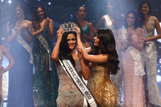 Cận cảnh vẻ đẹp tân Hoa hậu Hoàn vũ Puerto Rico - Ảnh 2.
