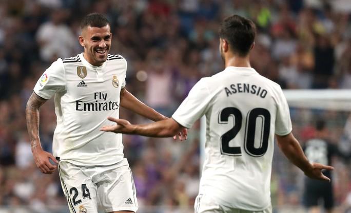 Trợ lý VAR đưa Real Madrid lên ngôi đầu La Liga - Ảnh 4.
