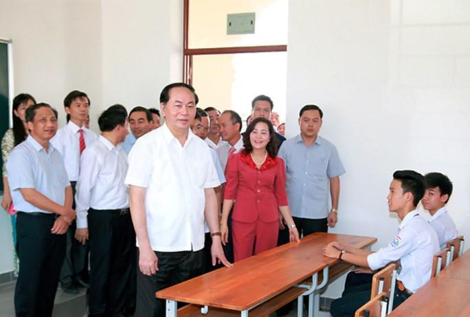 Những hình ảnh đẹp, gần gũi của Chủ tịch nước Trần Đại Quang với mái trường xưa - Ảnh 8.