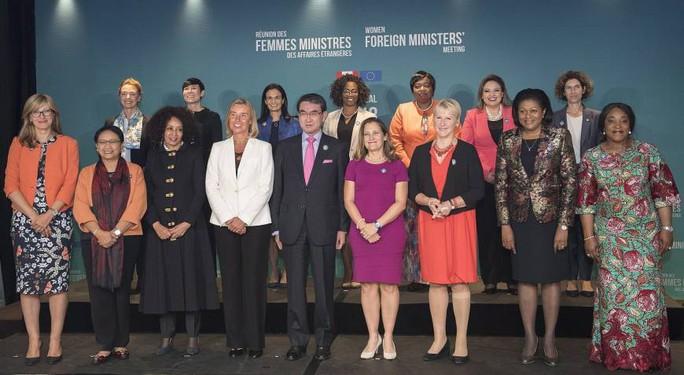 Canada tổ chức Hội nghị các nữ Bộ trưởng Ngoại giao, Nhật cử ông Kono tới dự - Ảnh 1.