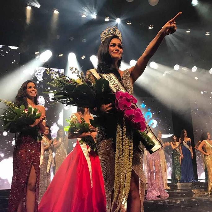 Cận cảnh vẻ đẹp tân Hoa hậu Hoàn vũ Puerto Rico - Ảnh 4.