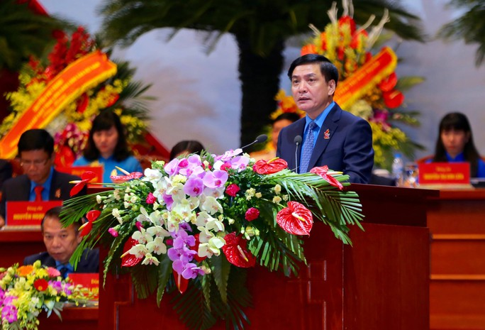 Ông Bùi Văn Cường tái đắc cử Chủ tịch Tổng LĐLĐ Việt Nam khóa XII - Ảnh 1.