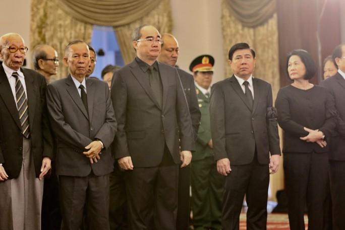 Lễ viếng Chủ tịch nước Trần Đại Quang tại TP HCM - Ảnh 3.