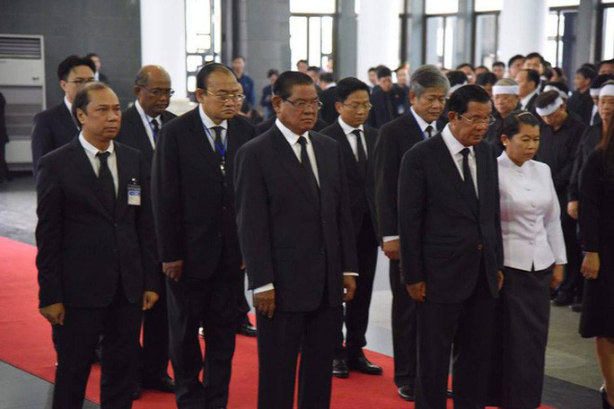 Thủ tướng Hun Sen đến Hà Nội viếng Chủ tịch nước Trần Đại Quang - Ảnh 1.
