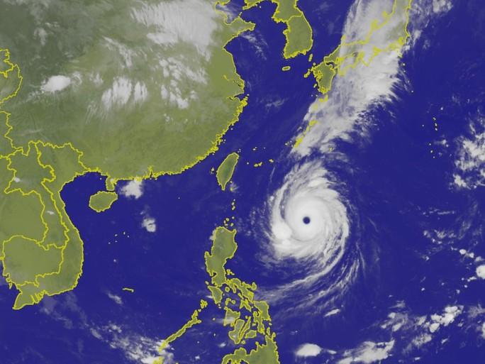 Siêu bão Trami đầy đe dọa nhìn từ không gian - Ảnh 5.