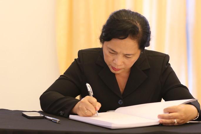 Lễ viếng Chủ tịch nước Trần Đại Quang tại TP HCM - Ảnh 12.