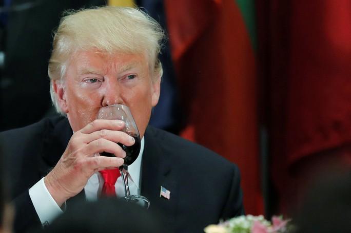 Ông Trump phát biểu tại LHQ, bất ngờ có tiếng cười khúc khích - Ảnh 7.