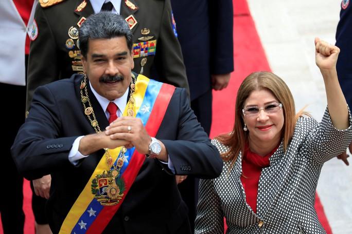 Mỹ giáng đòn trừng phạt mới lên Đệ nhất phu nhân Venezuela - Ảnh 1.