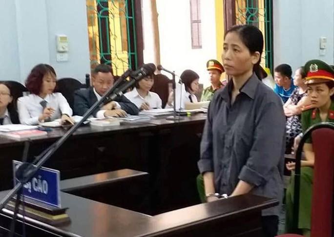 Quyết định bất ngờ tại tòa vụ nữ y sĩ nghi làm 103 trẻ bị sùi mào gà - Ảnh 1.