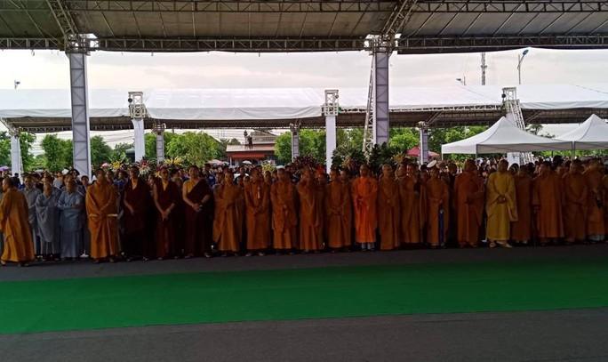Linh xa Chủ tịch nước Trần Đại Quang về tới quê nhà - Ảnh 12.