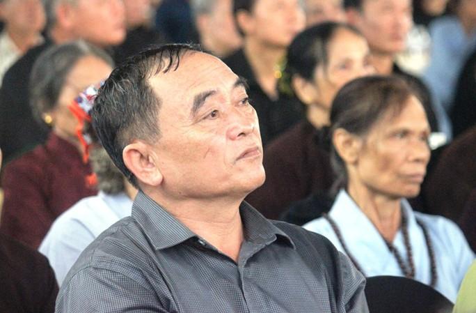 Người dân quê nhà rơi lệ xem Lễ truy điệu Chủ tịch nước Trần Đại Quang - Ảnh 10.