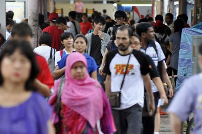 Ngân sách dư dả, Singapore thưởng tiền 2,8 triệu người dân - Ảnh 1.