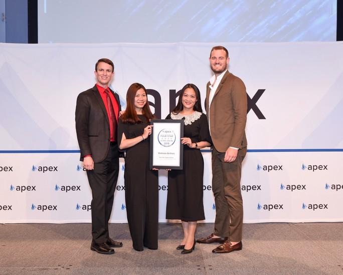 """Vietnam Airlines nhận giải thưởng """"Hãng hàng không 4 sao toàn cầu"""" - Ảnh 1."""