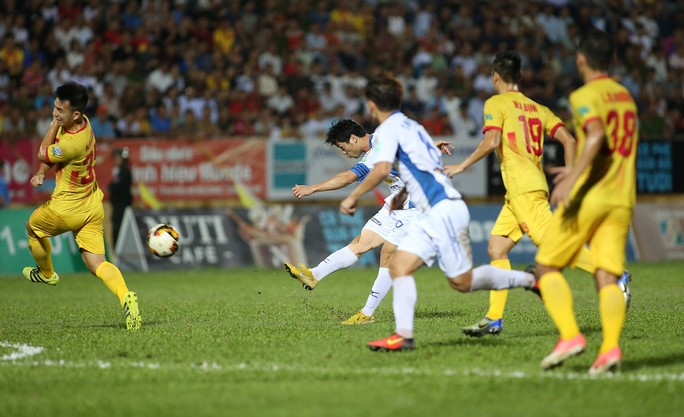 Nam Định đua trụ hạng cùng XSKT Cần Thơ - Ảnh 1.