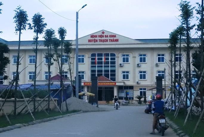 2 mẹ con sản phụ tử vong bất thường tại bệnh viện huyện - Ảnh 1.