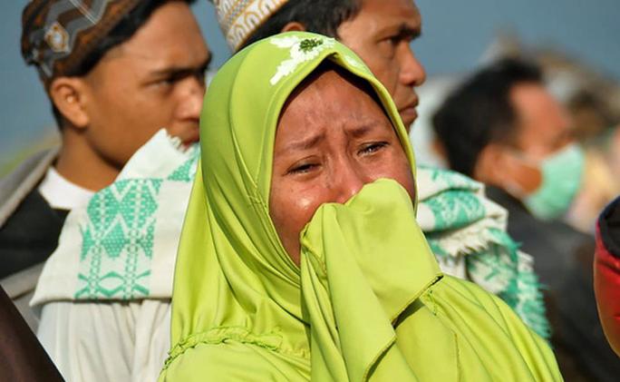 Động đất, sóng thần ở Indonesia: Số người chết tăng vọt lên gần 400 - Ảnh 3.