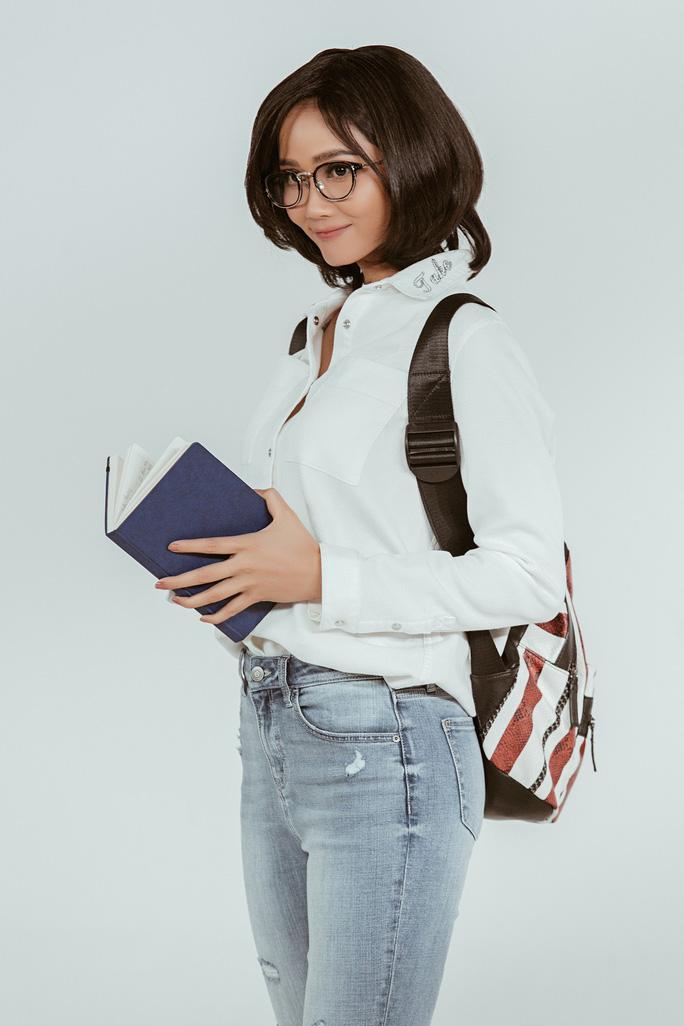 Hoa hậu H'Hen Niê tổ chức chương trình mua sách gây quỹ Room To Read - Ảnh 3.
