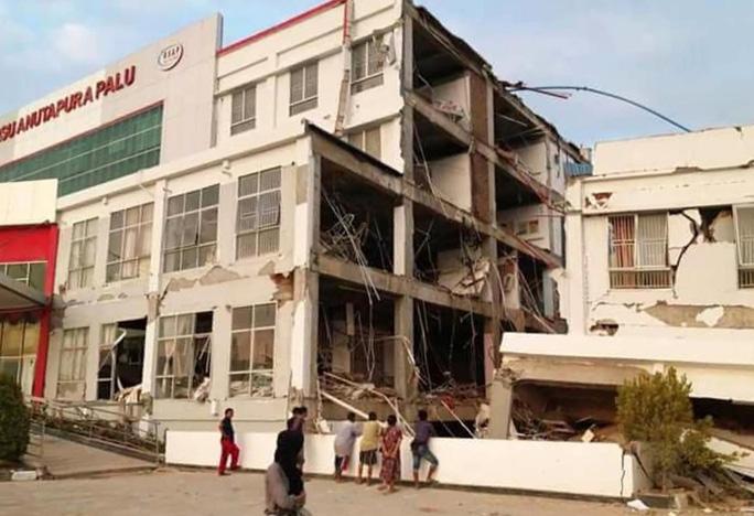 Động đất, sóng thần ở Indonesia: Nhân viên không lưu hy sinh để máy bay cất cánh an toàn - Ảnh 4.